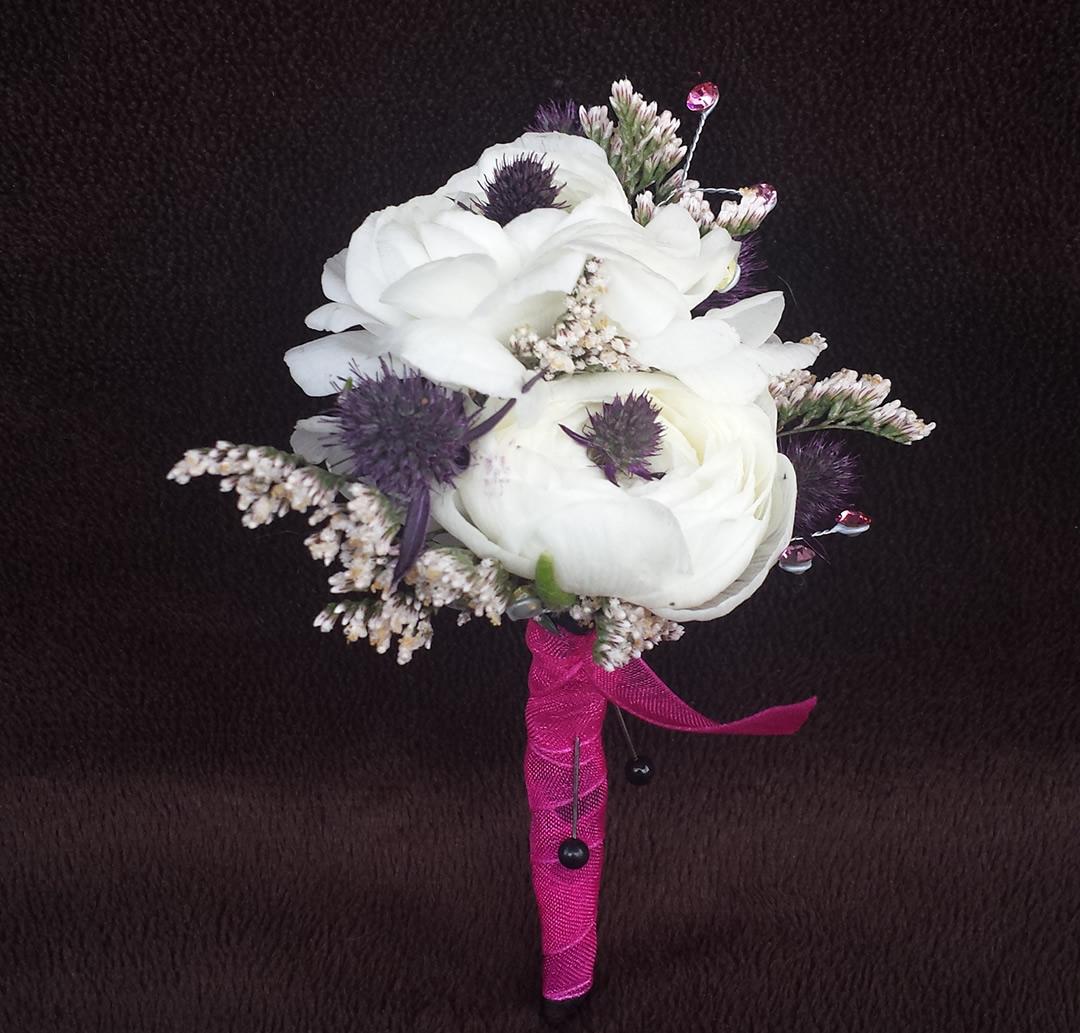 Boutonnieres – Puyallup & Chelan Event Planner & Wedding Flowers-25