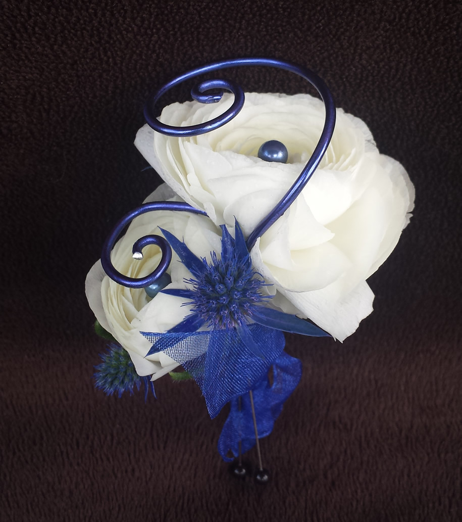 Boutonnieres – Puyallup & Chelan Event Planner & Wedding Flowers-26