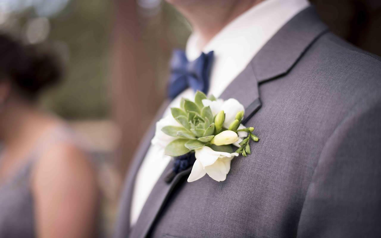 Boutonnieres – Puyallup & Chelan Event Planner & Wedding Flowers-27