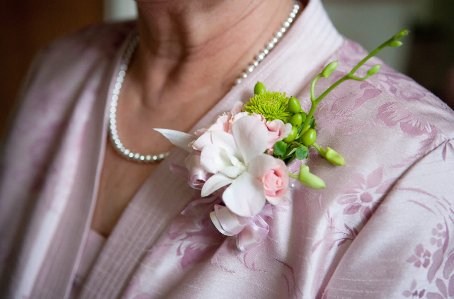 Wedding Flowers And Corsages : Corsages puyallup lake chelan floral event planning