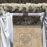 Trellises, Arbors & Altar Arrangements – 28